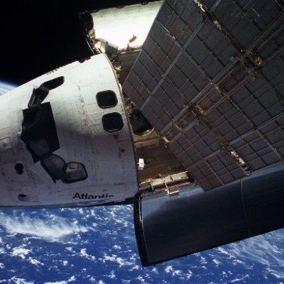 Space-Shuttle-Atlantis-MIR