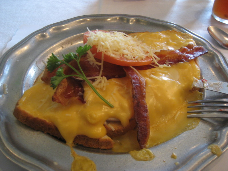 Hot Brown Dish Photo courtesy of Shadle (Wikimedia Commons)