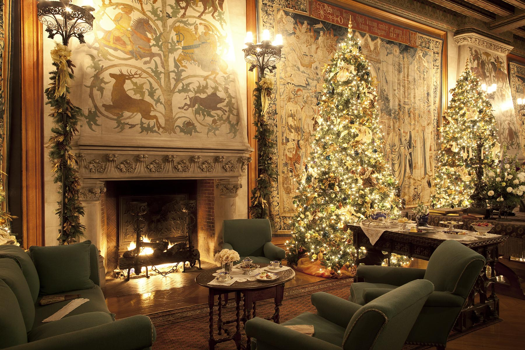 Travel Thru History Skimbaco Biltmore Christmas Tapestry
