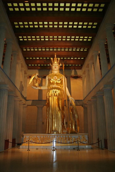 Athena Parthenos The Parthenon Nashville Courtesy of Aaron Archuleta/Wikimedia Commons