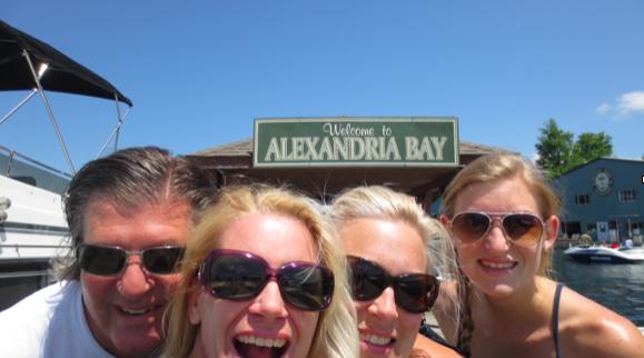1000 Island Selfie