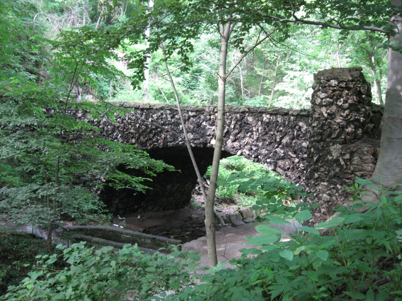 """Cobblestone Bridge in Schenley Park Pittsburgh"" by HoboJones, courtesy wikicommons"