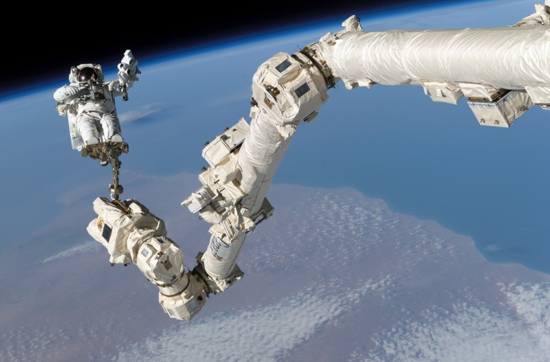 Canadarm2 STS-144