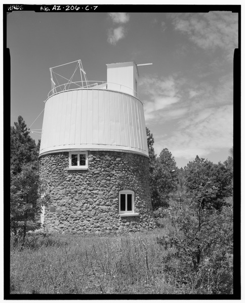 Telescope dome where Pluto was discovered. Photo via the Library of Congress.