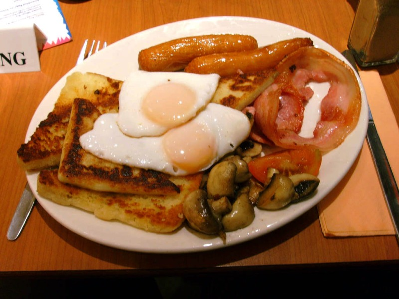 Ulster Fry Breakfast. Heart attack on a plate. Photo via wikipedia.
