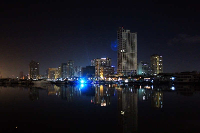 A nght view of Manila over Manila Bay