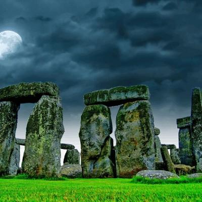 No Druids, just bones at Stonehenge.