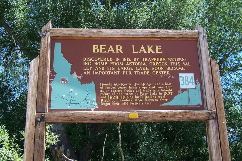 Bear Lake Sign
