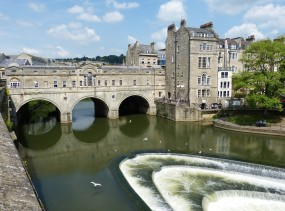 Pulteney Bridge and the river avon