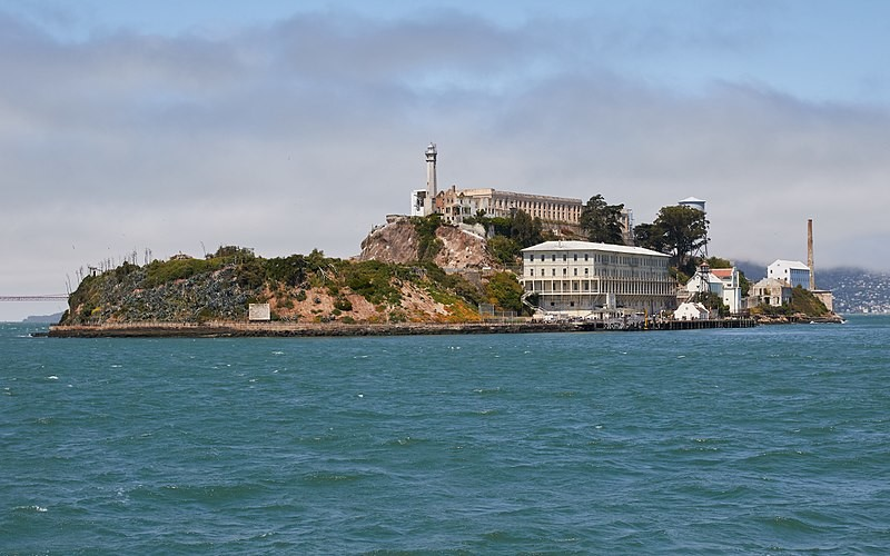 800px-Alcatraz_Island_as_seen_from_the_East