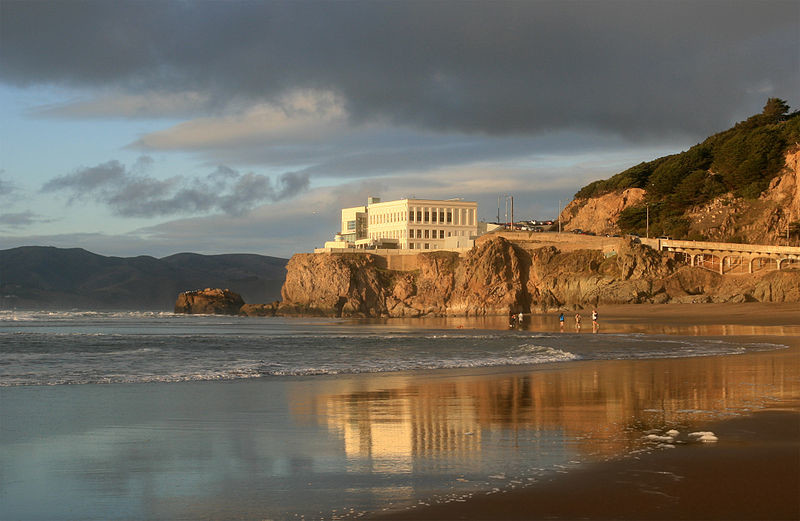 800px-Cliff_House_from_Ocean_Beach