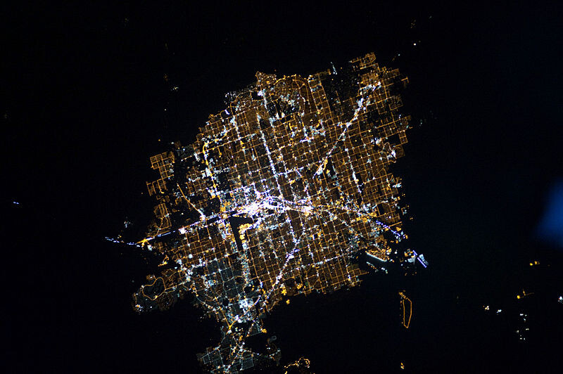 800px-Las_Vegas_at_Night