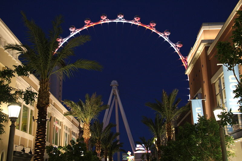 800px-The_High_Roller_-_View_From_The_Linq_2