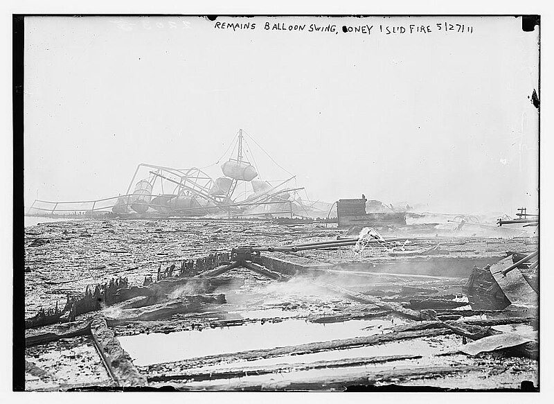 800px-Remains_balloon_swing,_Coney_Island_Fire,_1911_LOC_2163473954