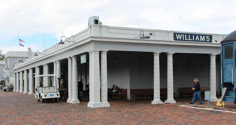 1024px-Williams-Fray-Marcos-Hotel