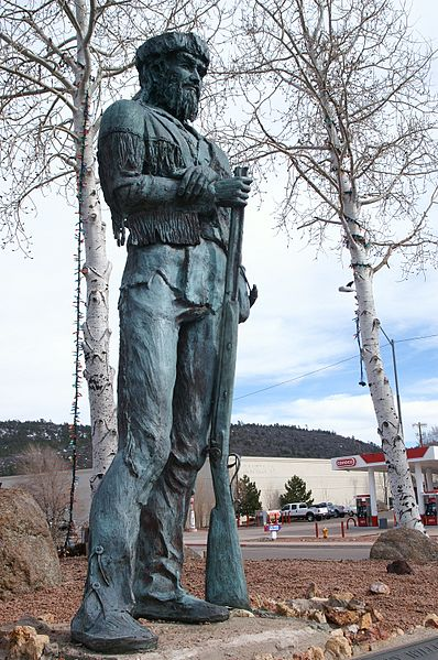 398px-Old_Bill_Williams_statue_in_Williams_Arizona
