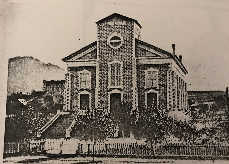 800px-Logan_Tabernacle_in_1880
