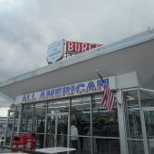800px-All-American_Hamburger_Drive-In;_Massapequa,_New_York