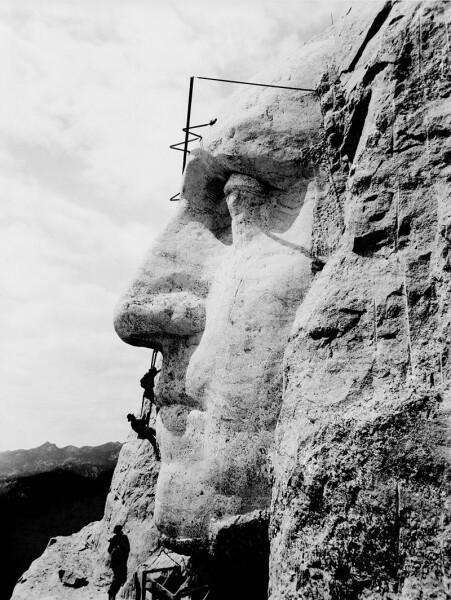 800px-Mount_Rushmore2
